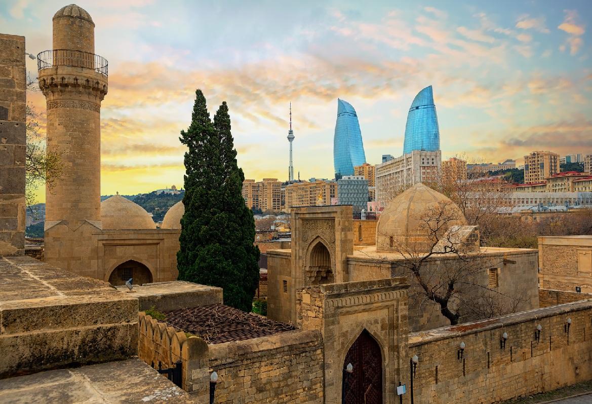 site de rencontres gratuit Azerbaïdjan datant d'un homme de 18 ans de plus que moi